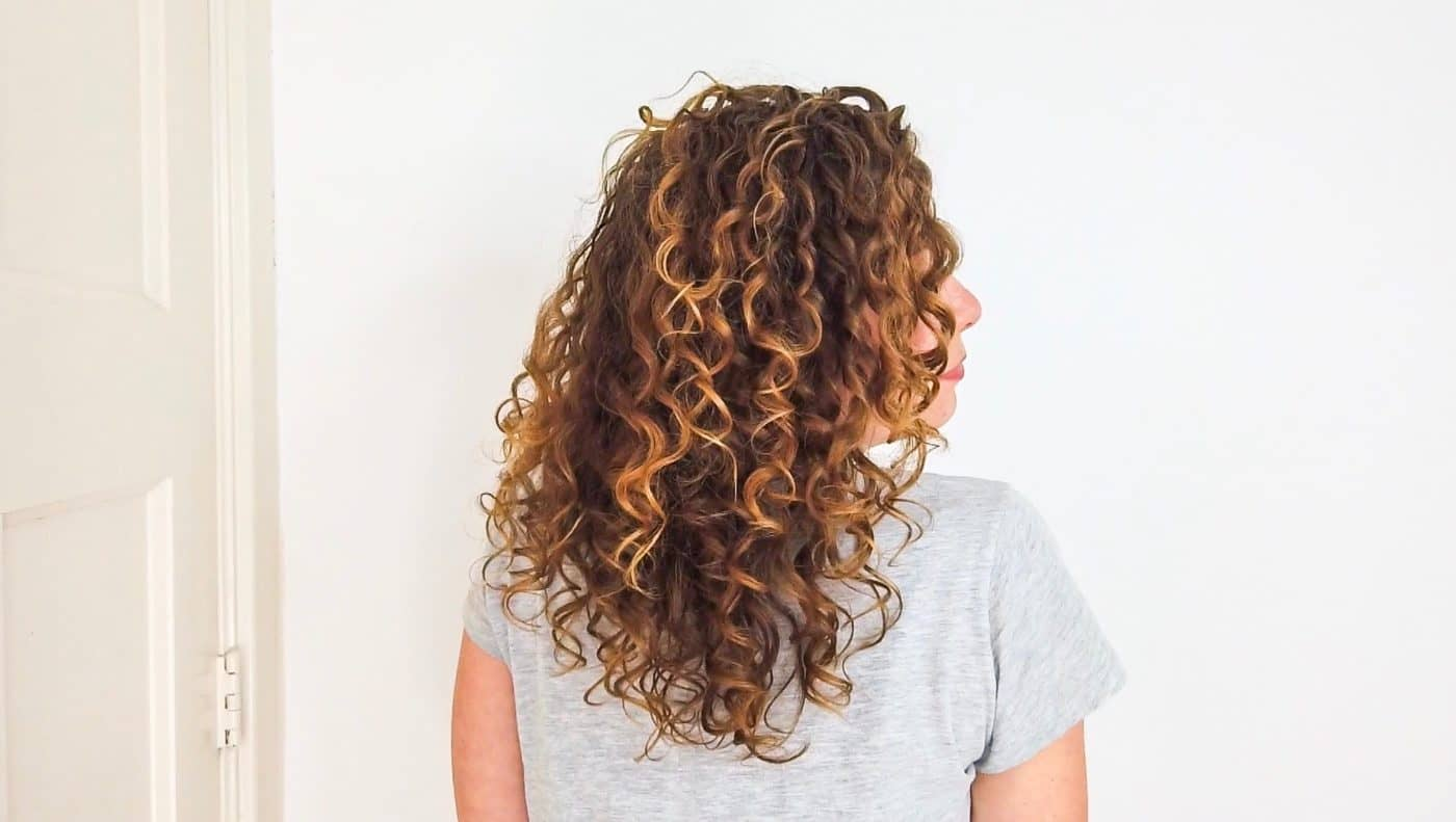 Cheveux boucles mal definies